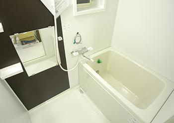 ウィンザーハイム高野台 浴室